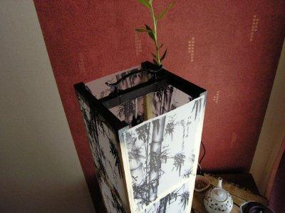 ...сделать себе в спальню (в тот момент еще пустую обшарпанную комнату с бумажными обоями в цветочек) светильник в.